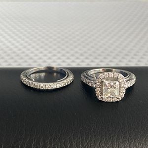 Wedding Ring 1 Ct Center Stone 2 Ct Total Women's Set for Sale in Bloomingdale, IL