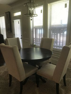 Nice table and chair set for Sale in College Park, GA