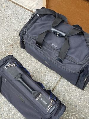 """""""Samsonite"""" duffle bags, excellent condition used only once.obo, price is for all for Sale in Everett, WA"""