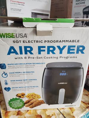 GoWISE USA 5.0-Quart 1500-Watt Digital Air Fryer with 8 Presets, GW22821-S + 50 Recipes (Black) for Sale in Detroit, MI