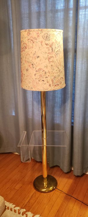 Awesome vintage brass gold floor lamp lucite for Sale in Orlando, FL