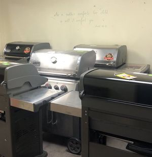 BBQ Grill Liquidation SJ8B5 for Sale in San Antonio, TX
