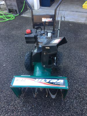 Old snowblower in great working condition still has a strong engine get ready for the snow for Sale in Lincoln, RI