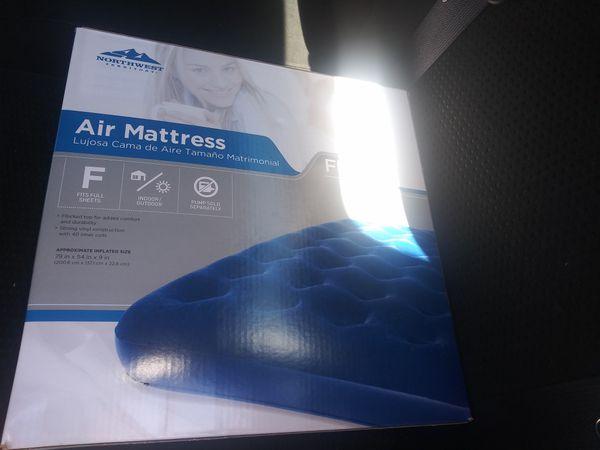 New full size air mattress