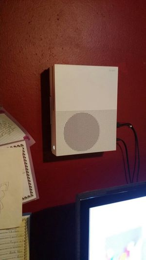 Xbox one s 1tb for Sale in Moosup, CT