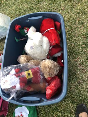Christmas stuff FREE for Sale in Redlands, CA