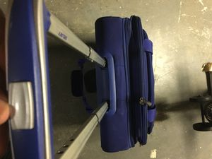 Delsey Small Rolling Travel Suitcase for Sale in Atlanta, GA