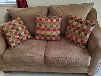 Loveseat Love Seat Sofa Couch for Sale in Fort Lauderdale,  FL