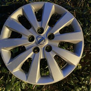 "17"" OEM NISSAN HUBCAP for Sale in Virginia Beach, VA"