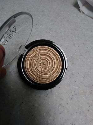 Laura gellar highlighter - never used for Sale in Irvine, CA