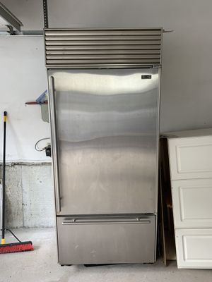 Subzero 650 for Sale in Cranston, RI