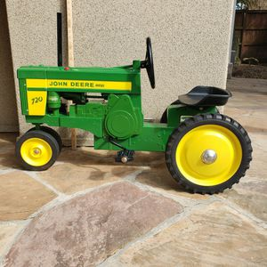 John Derre 720 Pedal Tractor for Sale in Katy, TX
