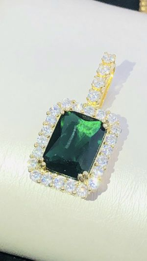 Brand new emerald charm with necklace included for Sale in Hawthorne, CA