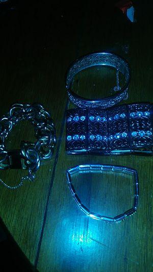 Woman's bracelets small 20 bucks for 4 for Sale in GLMN HOT SPGS, CA