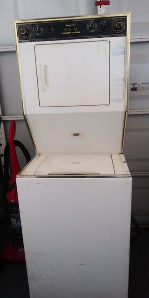 Stackable washer and dryer Kenmore for Sale in Wimauma, FL