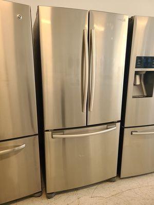 Samsung stainless steel French door refrigerator used good condition with 90 days warranty for Sale in Mount Rainier, MD