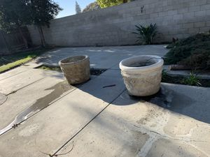 Plant pot cement/ concrete for Sale in Bakersfield, CA