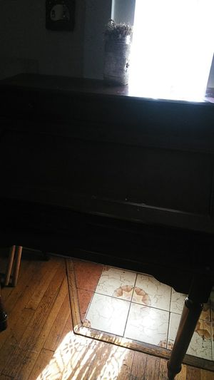 Antique desk for Sale in Pico Rivera, CA