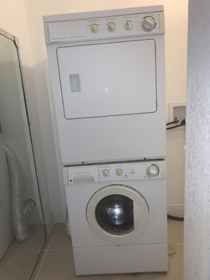 Stackable washer and dryer Frigidaire for Sale in Tampa, FL