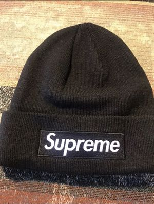 Supreme box logo beanie for Sale in Rockwall, TX