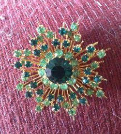 Vtg Austrian crystal brooch for Sale in Strongsville,  OH