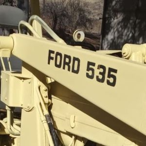 Ford 535 Tractor for Sale in Perris, CA