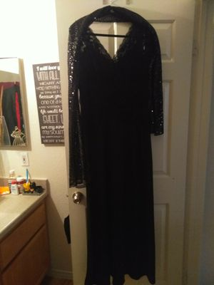 Price drop... Beautiful black sparkly sequined top formal dress with matching sequined shawl for Sale in Las Vegas, NV