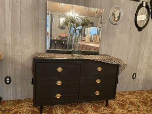 Black Modern Style Dresser w/ Mirror for Sale in Milwaukie, OR