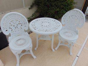 3 pc patio furniture set for Sale in Las Vegas, NV
