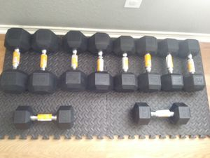 Dumbbell set (20s-40s) for Sale in San Antonio, TX