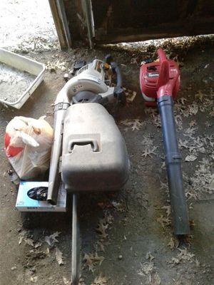 Leaf blowers and chain saw for Sale in Cleveland, OH