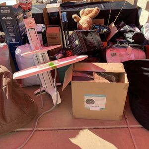 Sale Leftovers FREE!!! for Sale in Surprise, AZ