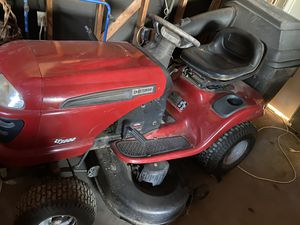 Craftsman riding lawnmower for Sale in Fresno, CA