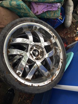 Awesome chrome 20 inch rims for Sale in Detroit, MI
