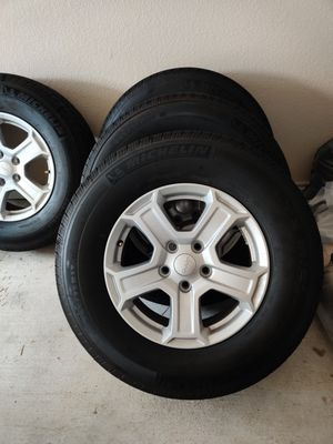 2019 JL tires and wheels less than 500 miles for Sale in Tomball, TX