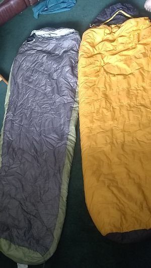 2 Sleeping Bags for Sale in East Wenatchee, WA