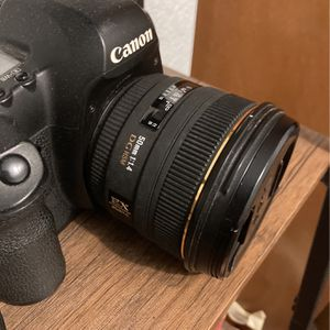 Sigma 50mm 1.4 Lens EF Mount For Canon Full Frame for Sale in Lynnwood, WA