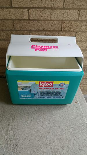 Igloo Playmate Cooler Plus for Sale in Parma, OH