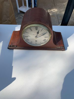 Antique fire place mantel clock for Sale in Fresno, CA