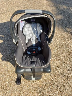 Britax Car Seat and Base for Sale in Lorena, TX