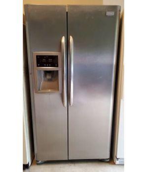 Free refrigerator for Sale in Centreville, VA