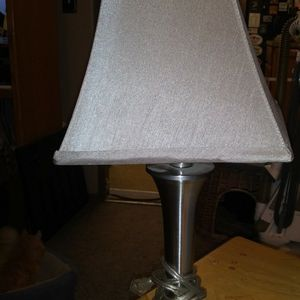 BEAUTIFUL End Table Lamp for Sale in Turlock, CA