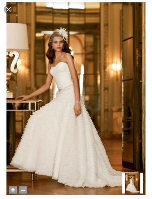 wedding dress and head piece for Sale in Weslaco, TX