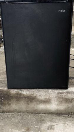 Black mini fridge for Sale in Philadelphia,  PA
