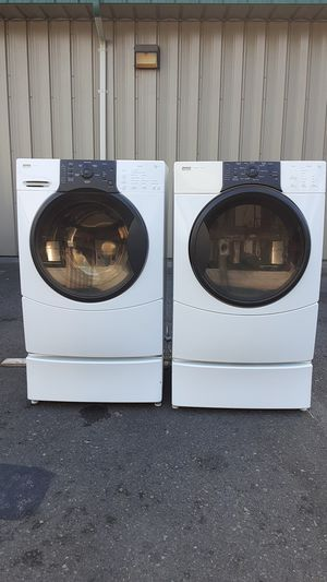 Kenmore washer and dryer set on pedestals for Sale in Puyallup, WA