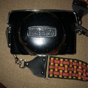 Vintage Yashica 35mm Film Camera for Sale in Scottsdale, AZ