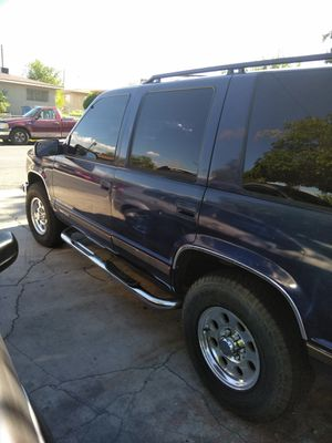 Chevy Tahoe 1999 parts only no engine for Sale in Las Vegas, NV