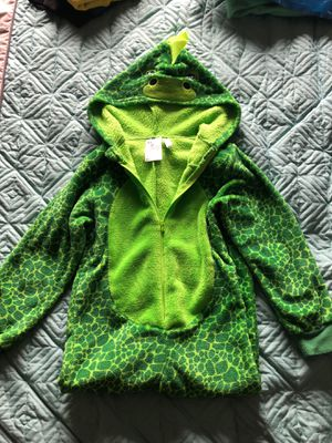Gently used h&m dragon/dinosaur Halloween costume for boys. Cozy soft green material for Sale in Schaumburg, IL