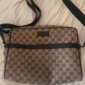 Brown Gucci Messenger bag for Sale in Tempe, AZ