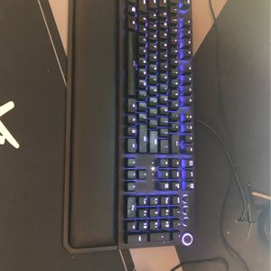 Have Green Switches, Looking For Yellow, 9or Organs Black Widow Elite Keyboard for Sale in Wilsonville, OR